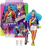Barbie Extra poupée articulée aux cheveux bleus, look tendance et oversize, avec 2 figurines animales et accessoires, jouet pour enfant, GRN30